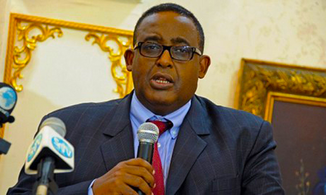 Ra'iisul wasaaraha Somaliya Cumar Cabdirashiid Cali Sharmaake